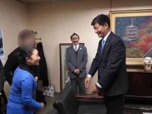 ロブサン・センゲ首相と会見2016109-7
